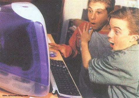 Frankie Muniz And Justin Berfield Fooling Around On The