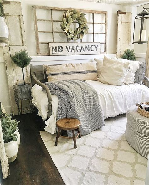 Joanna Gaines Bedroom Design Ideas by 25 Best Ideas About Joanna Gaines Style On