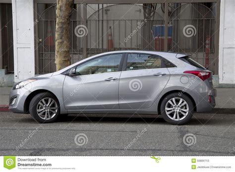 voiture avec 3 sieges arriere voiture de berline avec hayon arrière de hyundai nouvelle