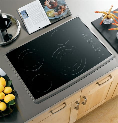 ge ppsmss  smoothtop electric cooktop stainless steel trim