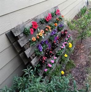 Pallet Flower Garden :: Hometalk/great idea for