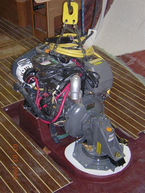 left    piece moulded pan   engine