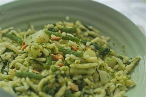 recette des p 226 tes au pesto g 233 nois pommes de terre et haricots verts