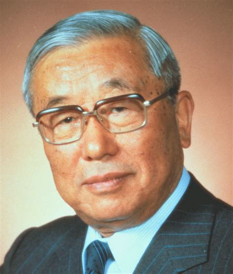 Eiji Toyoda, who turned Toyota into export giant, dies at 100