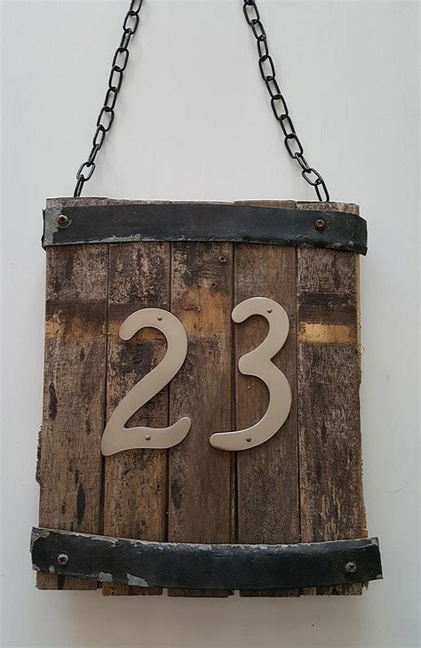 creative ways  craft  display  diy house number signs