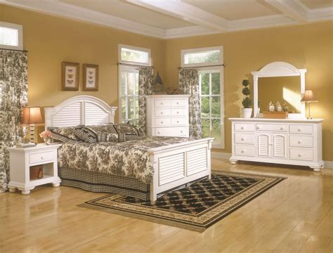 Cottage Bedrooms by Distressed White Bedroom Furniture Distressed Cottage