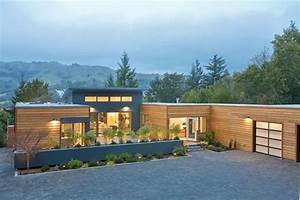 Blu Homes' Apple Approach to Building Green Prefab Houses