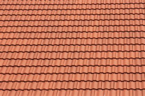 prix des tuiles pour toiture plaque de toiture oeufenpoudre