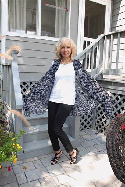 Tunic Covered Perfectly Southern Showing Anigif