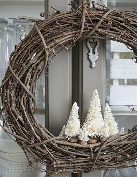 Blumenkübel Weihnachtlich Dekorieren by Deko Weihnachten Weidenkranz Weihnachtskranz Hauseingang