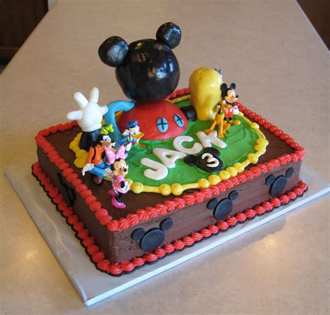 custom cakes  julie august