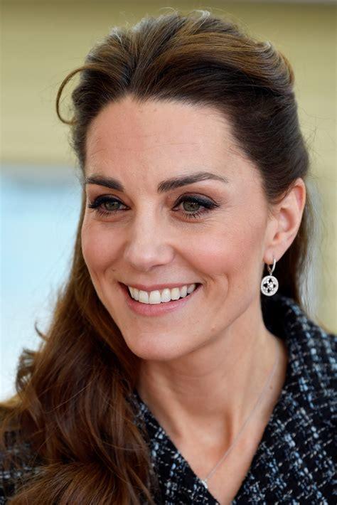 Kate middleton leaked underwear when attending royal event. Kate Middleton Half Up Half Down - Kate Middleton Looks - StyleBistro