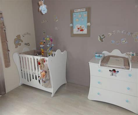 idee chambre bebe deco idée peinture chambre bébé fille barricade mag