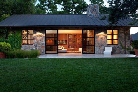 Farmhouse Kitchen Island Ideas - coastal cottage single story exterior transitional with