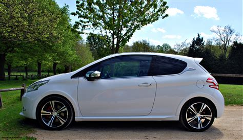 peugeot 208 gti tuning peugeot 208 gti all change drivewrite automotive