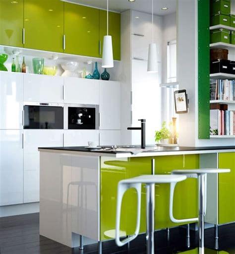 cuisine en couleur cuisines colorées la nouvelle tendance du moment à adopter