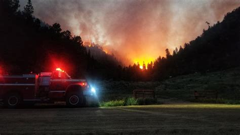 wildfire   containment  colorado  dangerous
