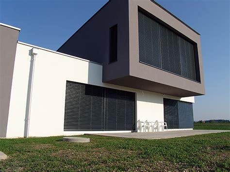 Fassadenfarbe Grau Braun by Graue Fenster Fassadenfarbe Wohn Design