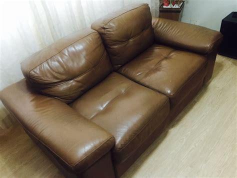 sofa usado de dois lugares sof 225 de couro 3 e 2 lugares usado r 990 80 em mercado
