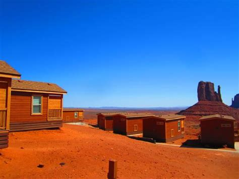 monument valley cabins the sign for the view hotel cground the road