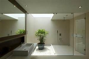 une deco zen pour une salle de bains minimaliste design With salle de bain design avec décoration de salle de bain zen