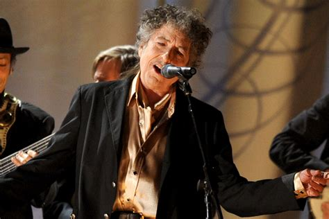 bob dylan debuts cover  willie nelsons sad songs