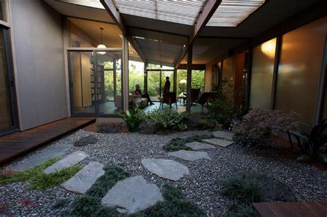 simple atrium  house placement architecture plans