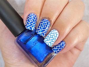 Blue and white nail art | OrdinaryMisfit