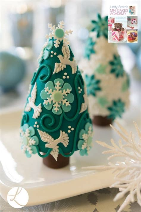 christmas cakes  cookies  inspired  sugarcraft