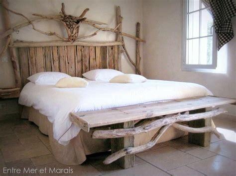 t 234 tes de lit en bois flott 233 entre mer et marais cr 233 ations en bois flott 233