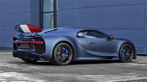 Today i'm reviewing a bugatti chiron and i'm showing you all the quirks and features of the 2018 bugatti chiron. This is the new Bugatti Chiron Sport '110 ans Bugatti ...