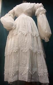 belle robe d39ete en mousseline blanche brodee vers 1830 With robe ete blanche
