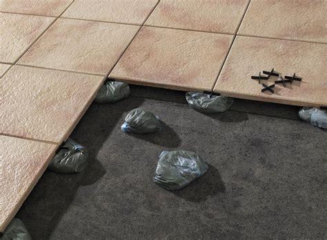 verlegung terrassenplatten in splitt verlegung fliesen im au 223 enbereich systeme fliesen und platten verlegung baunetz wissen