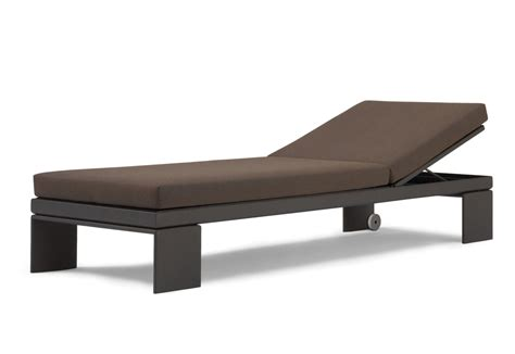chaise longue chilienne landscape alu chaise longue by andreu stylepark