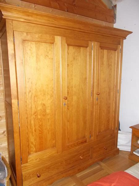 armoire pin massif neuf clasf