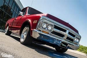 1971 GMC Pickup - Candy Red Restomod