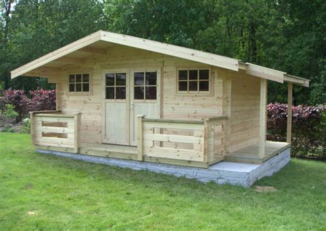 construire les fondations pour un abri de jardin