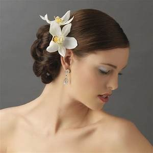 Trend Alert Bridal Flower Headbands