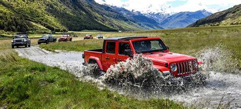 jeep jt gladiator driven  road   zealand