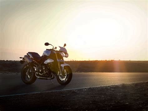 2013 Triumph Speed Triple Sulphur Yellow