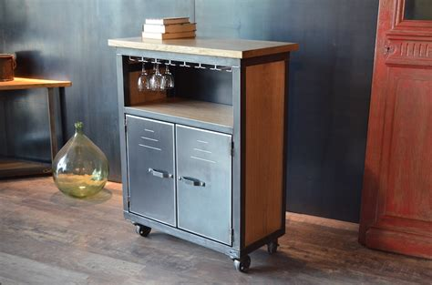 meuble bar bois métal de style industriel à roulettes