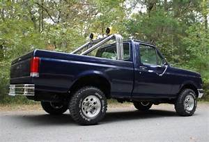 Very Fresh 4x4 Short Bed Pickup Truck 302 V8 5 Speed