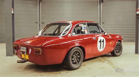 vintage alfa romeo race cars video alfa romeo 1750 gtv race car crankandpiston com