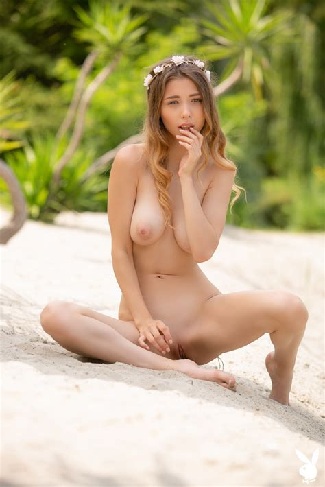 Mila Azul Thefappening Nude Explicit Photos The Fappening