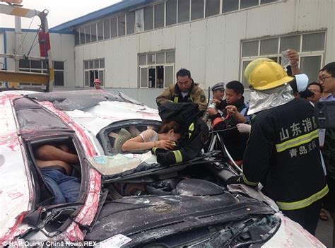 Crash Victims Miraculously Survive And Give Thumbs Up