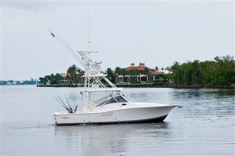 Fishing Boat Charters West Palm Beach by West Palm Beach Luxury Fishing Charters Sportfishing