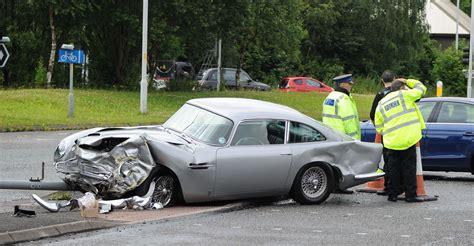 Martin Crash by Million Pound Aston Martin Db5 Crashed Only Motors