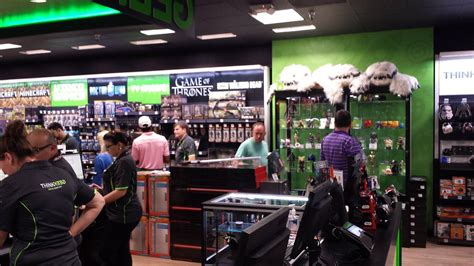 thinkgeek    retail store   awesome
