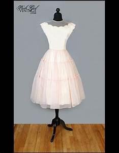 Robe Retro Année 50 : robe de mari e vintage annees 50 100 robes de mari e pas comme les autres elle ~ Nature-et-papiers.com Idées de Décoration