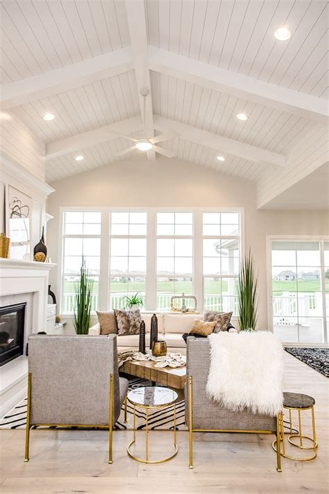 Shiplap Ceiling Pictures by Best 25 White Shiplap Ideas On Wood Walls